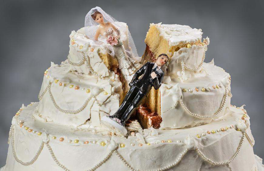Let Them Eat Cake! Wedding Cake Do's and Don'ts